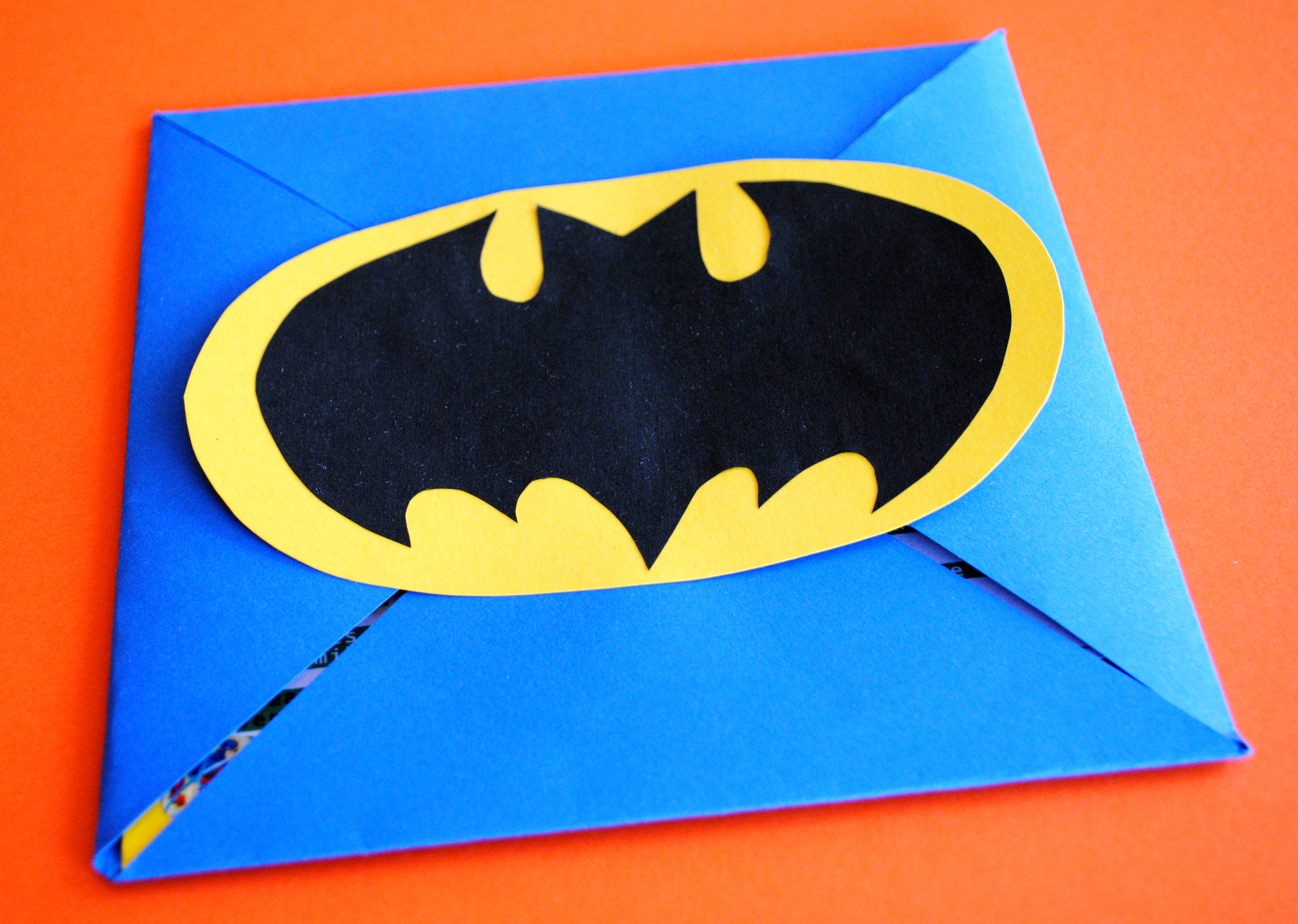 batman party invitations – gather around the table, Party invitations